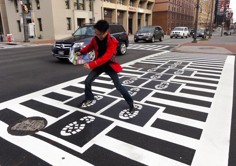 Hopscotch Crosswalk Colossus - man jumping
