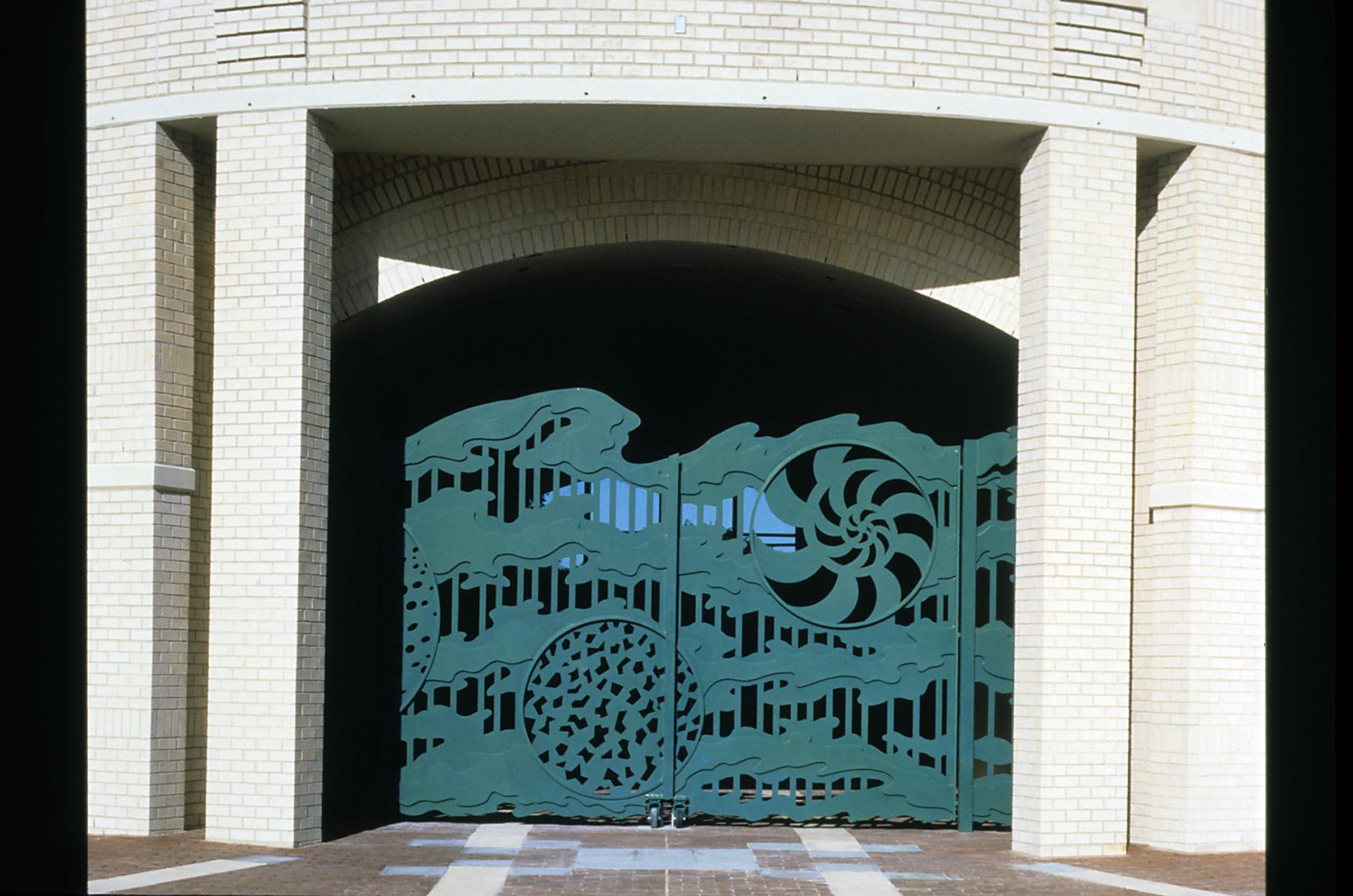 1992, Watermark - gate