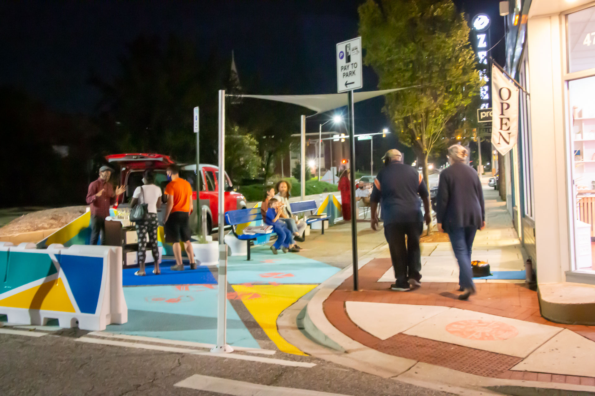 Design for Distancing Curbside Commons First Fridays merchant community event