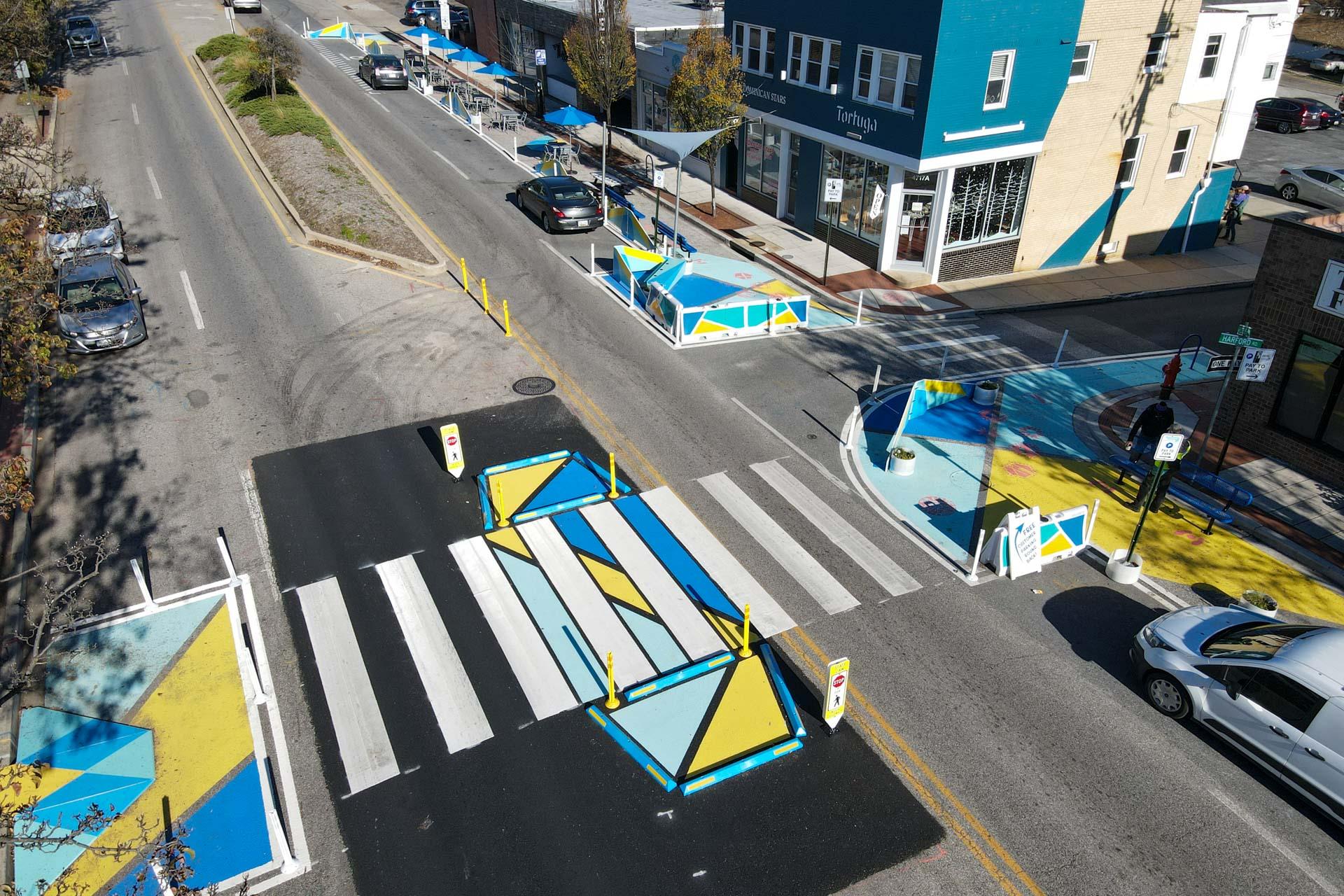 Design for Distancing Curbside Commons birdseye view of midblock crosswalk