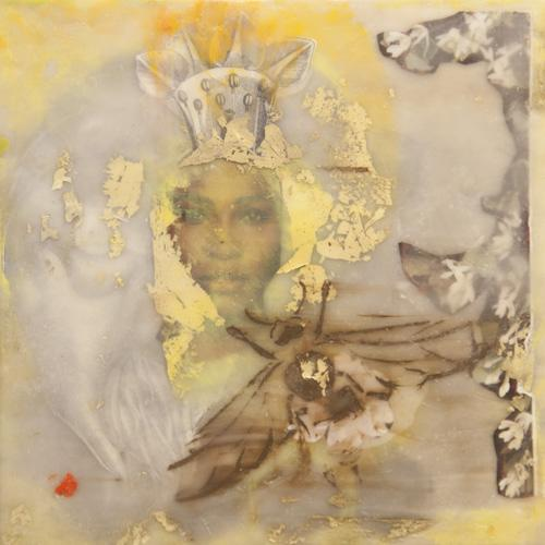 portrait,queen,bee,encaustic