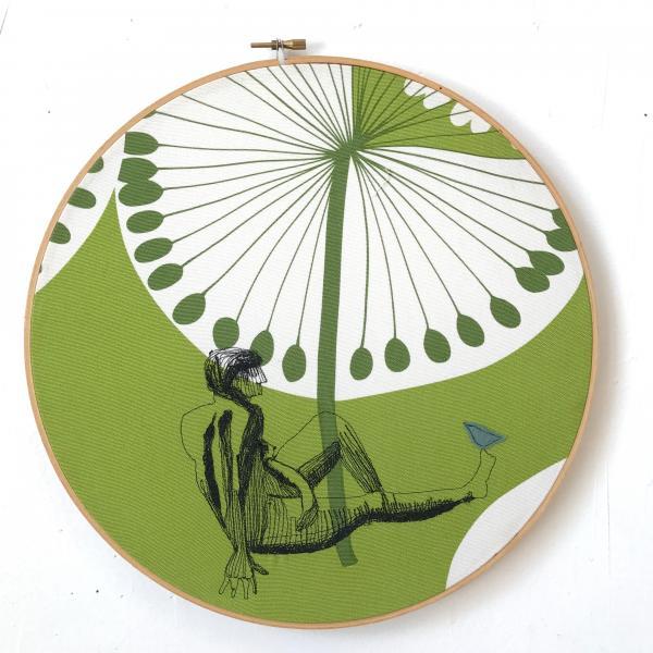 fiberart , thread drawing, figures, freehand machine stitched