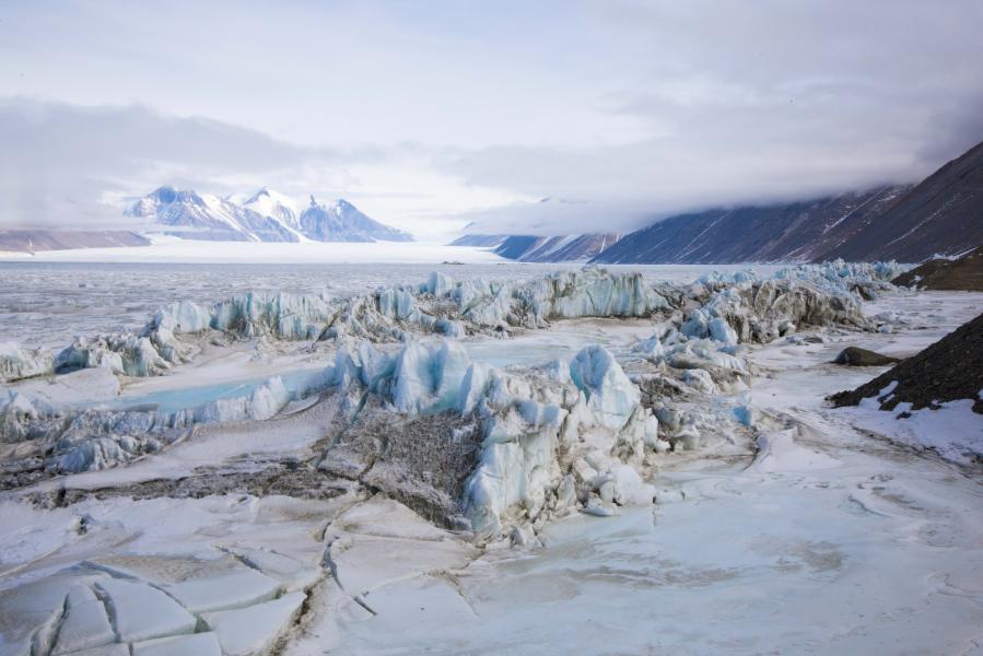 Pressure Ridge Beneath the Double Curtain Glacier, Antarctica