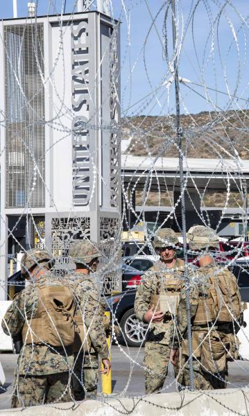 San-Ysidro-Border-Crossing-Military-barbed-wire