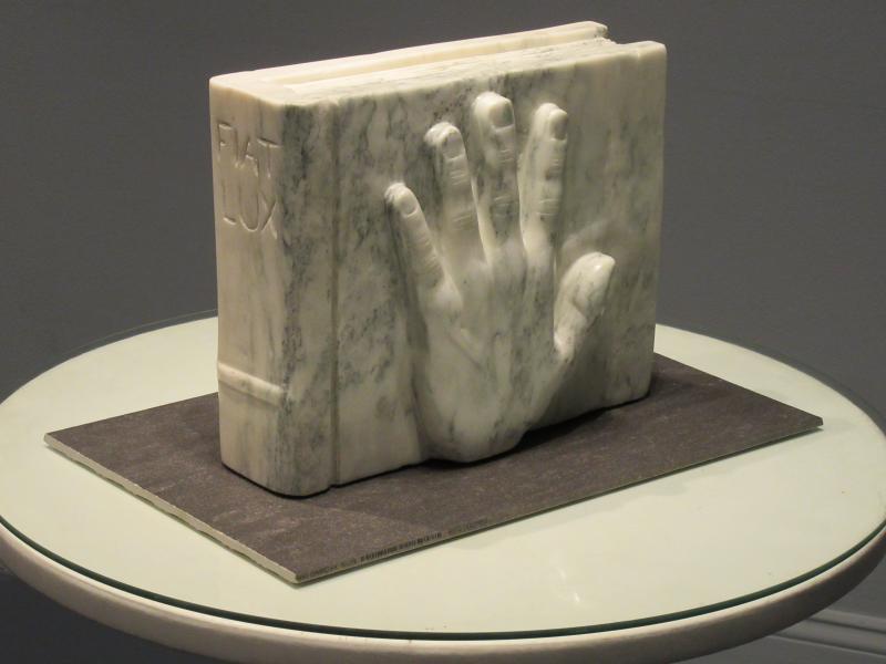 FIAT LUX by sculptor Alan Rhody